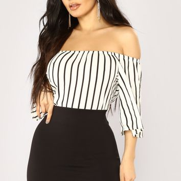 Edyth Off Shoulder Top - White/Black