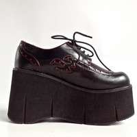 90's HOT TOPIC Mega Platform Wedge Lace up Oxfords // 9