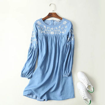 Fashion Women Floral  Embroidery Tencel Denim Dress O Neck Long Sleeve Casual Summer Dress Brand vestidos 2017 APWM114