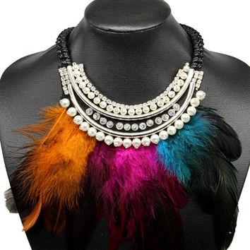 Multicoolor Collar Feather And Faux Pearl Necklace