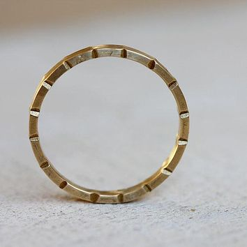 Unique notched gold wedding ring 14k solid gold