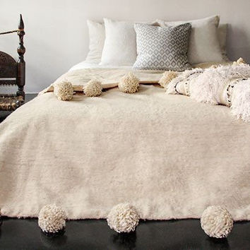 """PROMO!!! California King Bed Size 300 x 240 cm = 118.11"""" x 94.48""""- Keep warm your bed - Beautiful Moroccan Hand-Loomed wool PomPoms BLANKET!"""