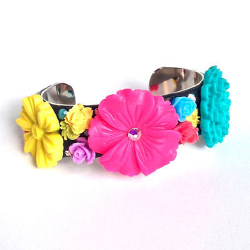 Colorful flower cuff bracelet, spring flower bracelet, summer jewelry