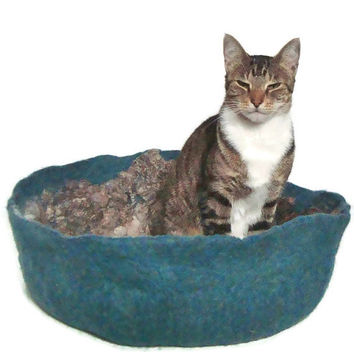 Felted Fleece Cat Bed Cruelty Free Primitive Modern Wool Pet Basket - Border Leicester Blue- Supporting American Small Farms