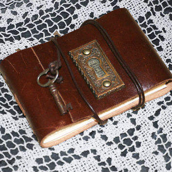 Leather Journal, Antique Brass Escutcheon Skeleton Key Hole Cover, Handbound Leather Sketchbook