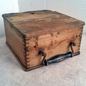 Antique shabby box Wooden tools boxes Old workshop storage container Office treasure box Farmhouse decor Vintage Woodworking Home decoration