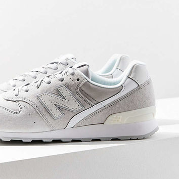 New Balance 696 Suede Sneaker | Urban Outfitters
