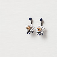 FLORAL EARRINGS WITH CRYSTAL DETAILS