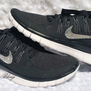 Woman's Nike Run Free 5.0 W/Swarovski Crystals - Black/Mtllc Silver/Drk Grey/White