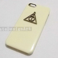iphone 4s case, deathly hollows iphone 5 cases iphone cover skin iphone 4 case - handmade iphone 5 cases