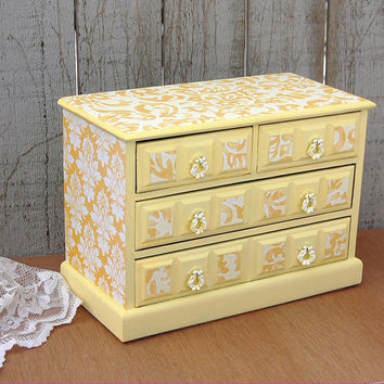 Yellow damask music box