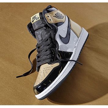 DCCK AIR JORDAN 1 GOLD TOE