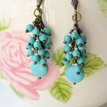 Turquoise blue earrings - cluster earrings - dangle - handmade - vintage style earrings - Europe