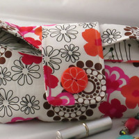 Geometric design Wristlet,Cosmetic, Jewerly bag, flora shadow box with magnetic snap closure