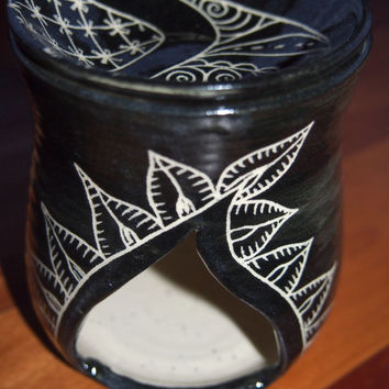 Oil Burner, room fragrance diffuser, black and white, henna inspired feather patterns, stoneware