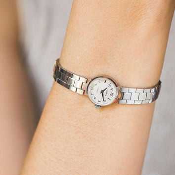 Small women's watch bracelet, classic lady watch, cocktail watch tiny gift, party watch Seagull, silver shade watch her, adjustable strap