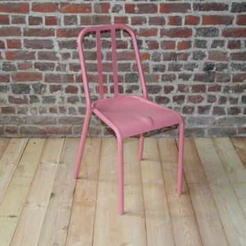 Retro metal chair - model VIEUX LILLE - Pink ral 3014