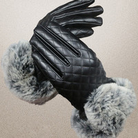 Quilted Gloves in Black or Red