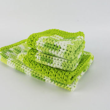 Green and White Kitchen Set -  4 Pieces: Drying Mat, Trivet, & 2 Pot Holders - crochet kitchenette kit, lime green hot pads, crochet fabric