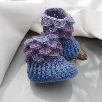 Button-less Baby Booties, Baby Slippers, 0-6 months Crocodile Stitch