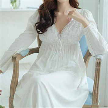 DKF4S Autumn Vintage Nightgowns V-neck Ladies Dresses Princess White Sexy Sleepwear Lace Home Dress Comfortable Long Nightdress #HH13