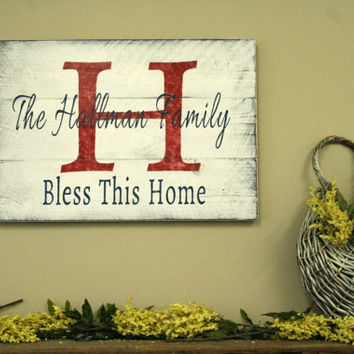 Personalized Name Sign Custom Name Sign Pallet Sign Distressed Wood Rustic Vintage Cottage Chic Shabby Chic Wallhanging White