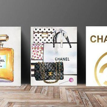 ONETOW Wall Art? Poster Print - COCO CHANEL, Shoes, Book, Handbag Vogue?- Famous?Fashion Quote - Black WaterColor- 545, 652, 653