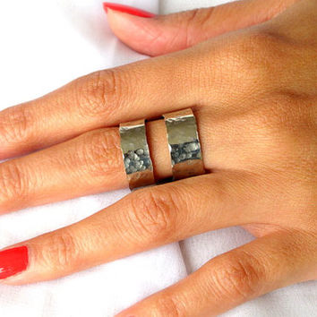 Double band thumb ring, adjustable hammered ring, modern metal jewelry, gift under 35