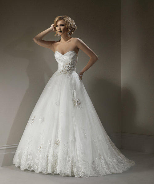 Maggie Sottero Lace Wedding Gown: Ivory & From Unique Vintage