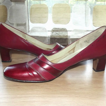 Vintage 60s Pumps | 1960s Red Shoes | MOD High Heels | Candy Apple Red Patent | Naturalizer | Size 9.5