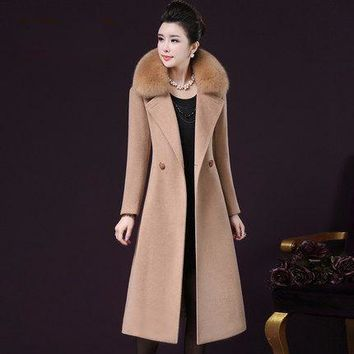 2017 New Winter Middle Aged 40-55 Women Imitation Fox Fur Collar Vintage Solid Wool Overcoat Long Slim Jackets Parka Coats