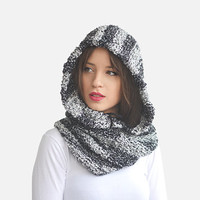 Hand knit hood cowl, Chunky snood infinity scarf  in black and white stripes, Hooded neck warmer with pom pom drawstring / Hand knitted