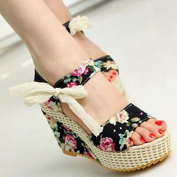 Shoes Women Summer New Sweet Flowers Buckle Open Toe Wedge Sandals Floral high heeled Shoes Platform Sandals