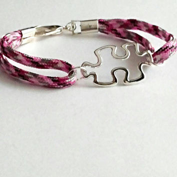 Autism bracelet, paracord puzzle piece bracelet, autism awareness jewelry, pink puzzle bracelet, mother's jewelry, autism gift for mom
