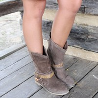 SZ 7.5 Dusky Skies Brown Suede Boots With Wraparound Straps