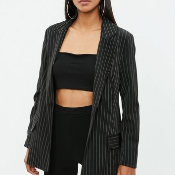 Missguided - Black Oversized Pinstriped Blazer