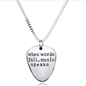 2016 New Custom When Words Fail Music Speaks Metal Guitar Pick Chain Pendant Necklace