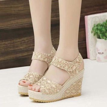 Summer Women Girl Fashion Pu High Heel Open Toe Lace Hollowed Wedge Sandals Shoes