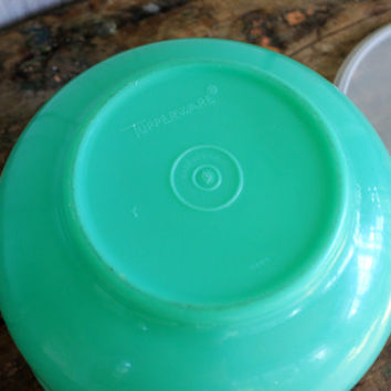 large tupperware bowl with burping lid // bright tupperware green