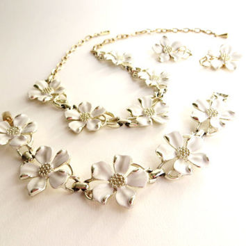 Vintage Emmons Enamel Flower Set, Dogwood Floral Necklace, Earrings, Bracelet, Full Parure, White, Silver tone