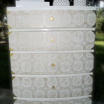 5 drawer tall dresser / chest