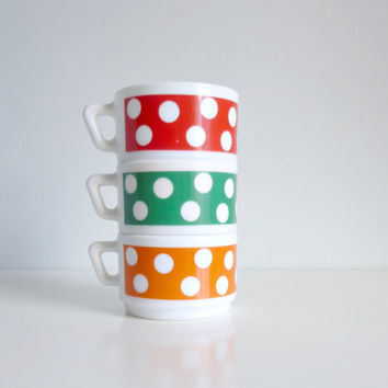Mid Century Polka Dot Tea Coffee Cup x 3 - Rainbow, Red, Green, Orange, Pantone 2013 - Arcopal, France - Mad Men, 1970's Kitchen, Summer