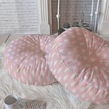 Allyson Johnson Dainty Blush Floor Pillow Round