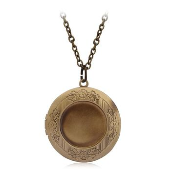 Vintage Metal Round Locket Pendant Necklace Women Men lover Photo Box choker Chain Opening Love Jewelry