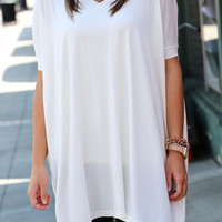"Piko V-Neck ""Peace and Love"" Tunic - White"