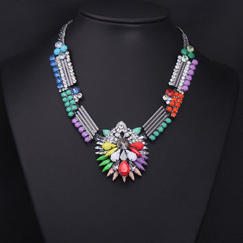 Beautiful Neon Gemstone Beaded Necklace Pendant Flower Bib Cluster Necklace Chunky Choker Necklace Statement Necklace Prom Jewelry Wholesale