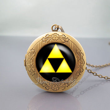Zelda Hyrule Crest Photo Locket Necklace,legend of Zelda Triforce Inspired,vintage pendant Locket Necklace