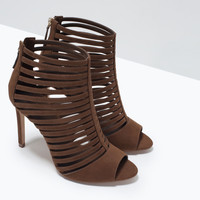 MULTI-STRAP HIGH HEEL SANDAL New