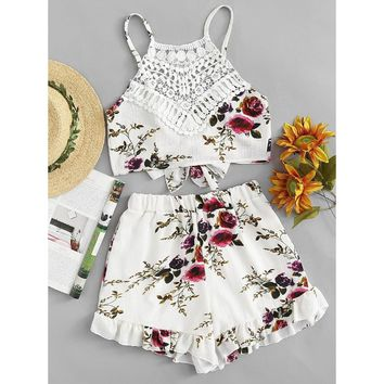 Contrast Lace Tie Back Florals Top With Shorts