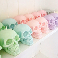 Skull candles - set of two - 100% soy-wax - your choice of colour & scent - Gift Idea / Birthday